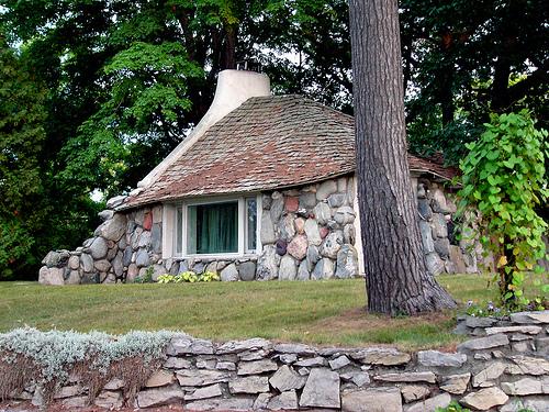 mushroom-house-ktylerconk